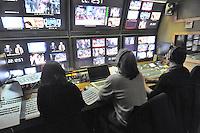 """- Milano, gli studi televisivi di LA7 da cui va in onda la trasmissione di approfondimento informativo """"L'Infedele""""; la sala di regia<br /> <br /> - Milan, television studios of LA7 from which is transmitted the in-depth information show """"L'Infedele"""": the control room"""