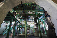 France/DOM/Martinique/ Le François: Distillerie du Simon- Les colonnes de distillation