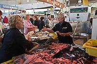Europe/France/Bretagne/56/Morbihan/Lorient: Chantal Auffret, poissonnière aux Halles de Merville, [Non destiné à un usage publicitaire - Not intended for an advertising use]