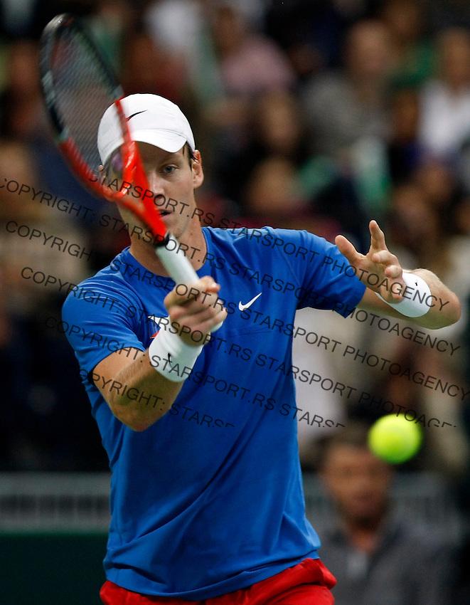 Tenis, Davis Cup 2010.Serbia Vs. Czech Republic, semifinals.Novak Djokovic Vs. Tomas Berdych.Tomas Berdych, returns.Beograd, 19.09.2010..foto: Srdjan Stevanovic/Starsportphoto ©
