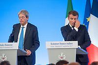 PAOLO GENTILONI ET EMMANUEL MACRON A LA TRIBUNE - 34EME SOMMET FRANCO-ITALIEN A LYON