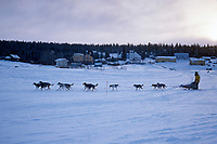 Charlie Boulding Arrives in White Mountain Alaska<br /> 2004 Iditarod