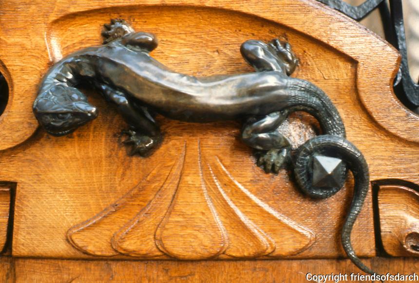 Jules Lavirotte: 29 Avenue Rapp, Paris 1901. Door handle.