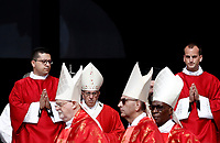 Papa Francesco (c) arriva in Piazza San Pietro per celebrare la Santa Messa della Solennità dei Santi Pietro e Paolo, Citta' del Vaticano, 29 giugno, 2017.<br /> Pope Francis (c) arrives to celebrate the mass for the imposition of the Pallium upon the new metropolitan archbishops and the solemnity of Saints Peter and Paul in St. Peter's Square at the Vatican, on June 29, 2017.<br /> UPDATE IMAGES PRESS/Isabella Bonotto<br /> <br /> STRICTLY ONLY FOR EDITORIAL USE