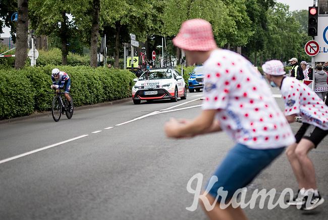 Julien Bernard (FRA/Trek - Segafredo) cheered on<br /> <br /> Stage 5 (ITT): Time Trial from Changé to Laval Espace Mayenne (27.2km)<br /> 108th Tour de France 2021 (2.UWT)<br /> <br /> ©kramon