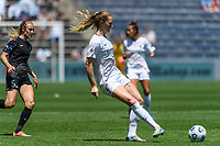 BRIDGEVIEW, IL - JUNE 5: Sam Mewis #5 of the North Carolina Courage plays the ball during a game between North Carolina Courage and Chicago Red Stars at SeatGeek Stadium on June 5, 2021 in Bridgeview, Illinois.