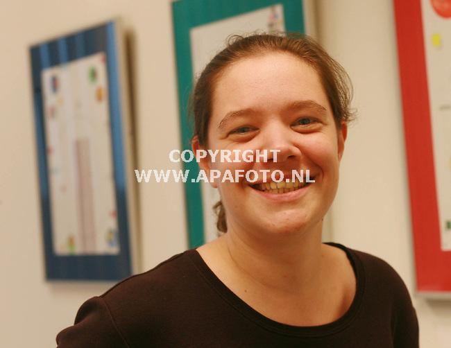 Tilburg, 210806<br />Miquelle Marchand heeft een proefschrift geschreven over slijmen.<br />Foto: Sjef Prins - APA Foto