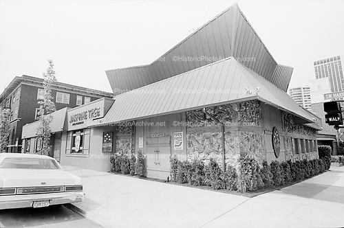 falconer-0232-4. Jasmine Tree restaurant. 401 SW Harrison. closed about 2008, building torn down.