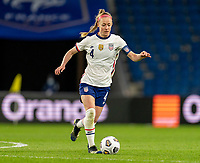 LE HAVRE, FRANCE - APRIL 13: Becky Sauerbrunn #4 of the USWNT dribbles during a game between France and USWNT at Stade Oceane on April 13, 2021 in Le Havre, France.