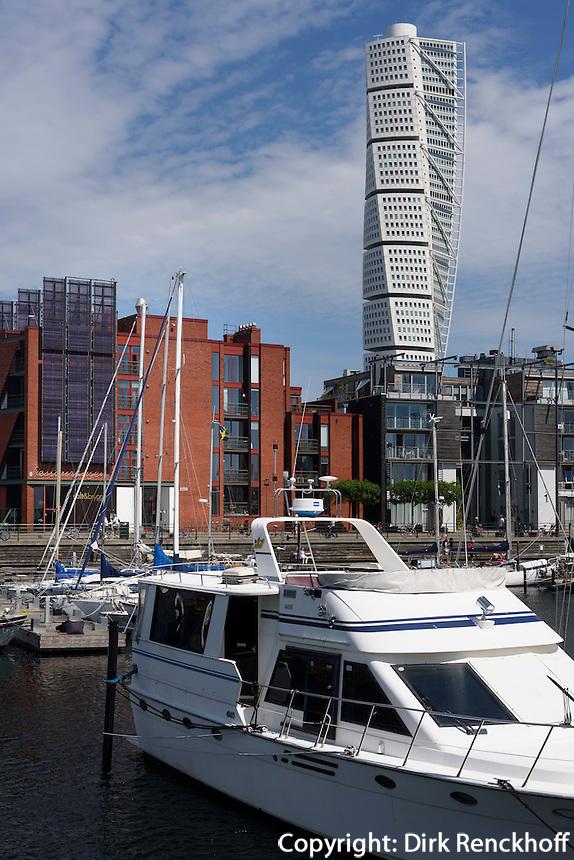 Hochhaus Turning Torso (Architekt Santiago Calatrava) am Westhafen,  Malmö, Provinz Skåne (Schonen), Schweden, Europa<br /> Skyscraper Turning Torso (Architect Santiago Calatrava) at Westport in Malmö, Sweden
