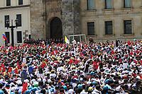 BOGOTA -COLOMBIA , 7- 09-2017.El Papa Francisco se reunió con más de 25.00 jóvenes a quienes bendijo en La Plaza de Bolívar. /Pope Francisco met with more than 25.00 young people whom he blessed in La Plaza de Bolivar. Photo: VizzorImage / Felipe Caicedo / Staff