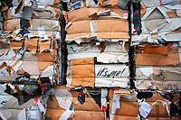Altpapier: EUROPA, DEUTSCHLAND, HAMBURG, (EUROPE, GERMANY), 19.10.2012: Altpapier bei einer Verwertungsfirma