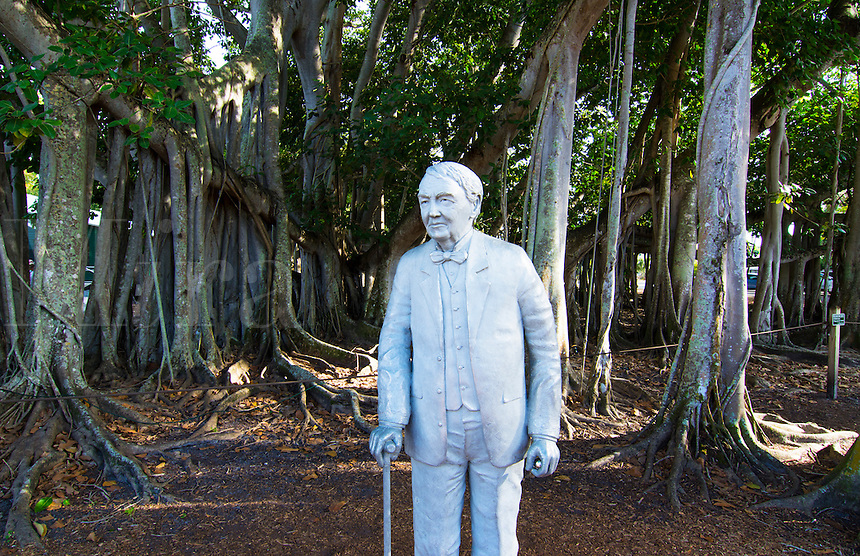 Thomas Edison inventor home and museum in Ft Myers Florida statue of man