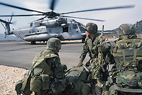 - US Marines land from a CH 53 helicopter during operations in Bosnia-Herzegovina....- US Marines sbarcano da un elicottero CH 53  durante operazioni in Bosnia-Herzegovina