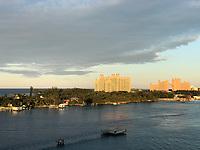 Blick auf Atlantis von der Costa Luminosa im Hafen von Nassau, Bahamas - 26.01.2020: Nassau
