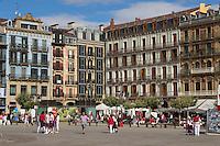 Espagne, Navarre, Pampelune: Fêtes de San Fermín place del Castillo  //  Spain, Navarre, Pamplona: Festival of San Fermín, Plaza del Castillo
