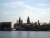 Blick von Mainz-Kastel auf die Skyline von Mainz mit dem Rathaus am Adenauer-Ufer, dem Dom St. Martin und dem Glockenturm der Stephanskirche