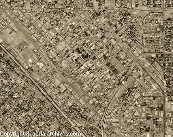 historical aerial photograph Fresno, 1972