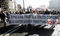 Lavoratori del gruppo Competence (ex Jabil) marciano verso il Ministero delle Attivita' Produttive, Roma, 8 febbraio 2011..UPDATE IMAGES PRESS/Riccardo De Luca