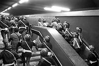 - Milano, giugno 1990, tafferugli fra polizia ed aderenti ai gruppi di Autonomia Operaia durante una manifestazione di operai metalmeccanici autoconvocati<br /> <br /> - Milan, June 1990, riots between police and members of the Autonomia Operaia groups during a demonstration of self-called metalworkers