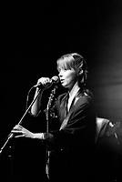 Suzanne Vega<br /> en spectacle avant la sortie de Tom's dinner (en janvier 1984)<br /> (date exacte inconnue)<br /> <br /> PHOTO : Agence Quebec Presse