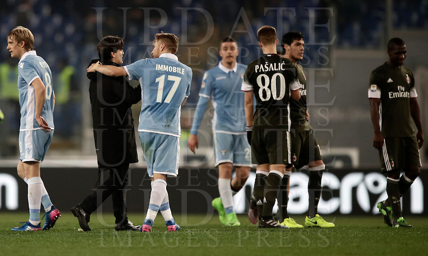Calcio, Serie A: Lazio, Stadio Olimpico, 13 febbraio 2017.<br /> Milan' coach Vincenzo Monella greets Lazio's and Milan's players at the end of the Italian Serie A football match between Lazio and Milan at Roma's Olympic Stadium, on February 13, 2017.<br /> UPDATE IMAGES PRESS/Isabella Bonotto