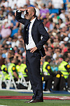 Real Madrid's coach Zinedine Zidane durign the match of La Liga between Real Madrid and SD Eibar at Santiago Bernabeu Stadium in Madrid. October 02, 2016. (ALTERPHOTOS/Rodrigo Jimenez)