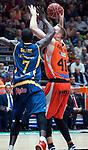 Valencia BC's Justin Hamilton and Herbalife Gran Canaria's Sitapha Savane during ACB match. November 29, 2015. (ALTERPHOTOS/Javier Comos)