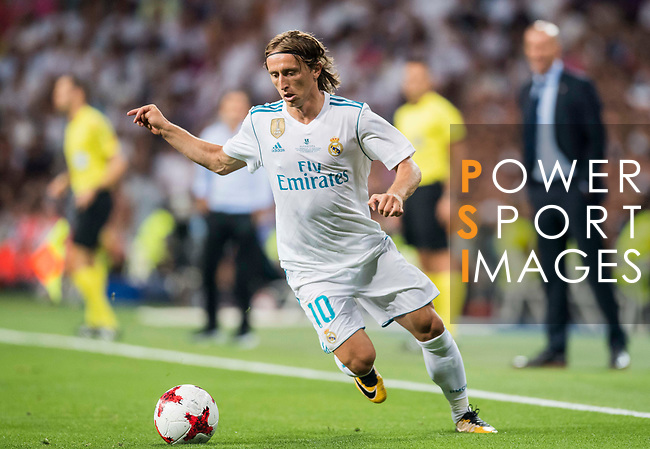 Luka Modric of Real Madrid in action during their Supercopa de Espana Final 2nd Leg match between Real Madrid and FC Barcelona at the Estadio Santiago Bernabeu on 16 August 2017 in Madrid, Spain. Photo by Diego Gonzalez Souto / Power Sport Images