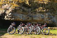 Passage au château de Commarques.<br /> Vélos des SSF  Gironde (Secouristes Sauveteurs Français)