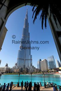 United Arab Emirates, Dubai: Burj Khalifa, the world's tallest building   Vereinigte Arabische Emirate, Dubai: das Burj Khalifa