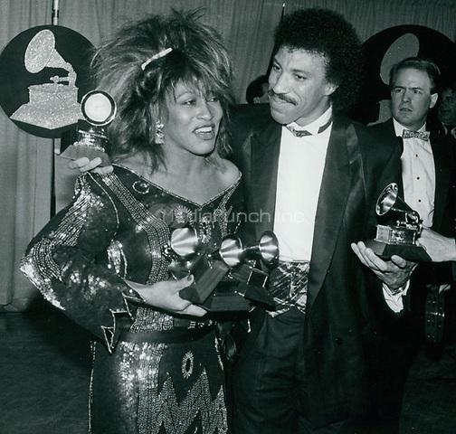 Tina Turner Lionel Ritchie 1985<br /> Photo By John Barrett-PHOTOlink.net / MediaPunch