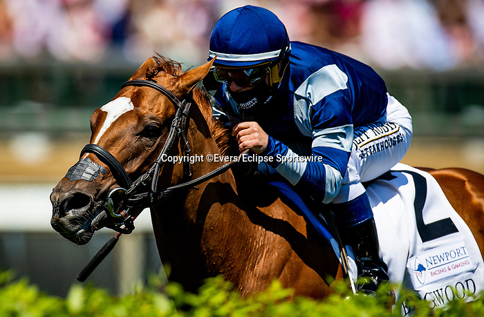 April 30, 2021: Gift List with Javier Castellano wins the Edgewood Stakes at Churchill Downs in Louisville, Kentucky on April 30, 2021. EversEclipse Sportswire/CSM