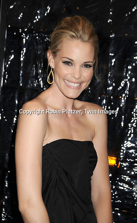 """actress Leslie Bibb..posing for photographers at The New York Premiere of..""""FROST/NIXON"""" on November 17, 2008 at The Ziegfeld Theatre. ....Robin Platzer, Twin Images"""
