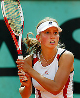 4-6-06,France, Paris, Tennis , Roland Garros, Anouk Tigu