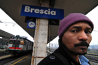Brescia / Italia 2014<br /> Un immigrato con permesso di soggiorno e asilo politico vive da mesi nei sotterranei della stazione ferroviaria al freddo, senza cibo e senza alcuna assistenza.<br /> An immigrant with a residence permit for political asylum lived for months in the basement of the train station in the cold, without food and without any assistance. <br /> Photo by Livio Senigalliesi