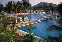 AJ1869, Mexico, Manzanillo, resort, People enjoying the huge swimming pool at the sea resort in Manzanillo in the state of Colima.