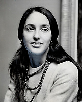 Joan Baez; Listeners shortchanged<br /> <br /> Innell, Reg<br /> Picture, 1962- Toronto Star Archives - AQP
