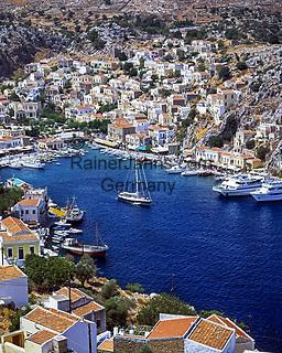 Griechenland, Dodekanes, Insel Symi, Chorio: Blick ueber den Hafen Gialós | Greece, Symi Island, Chorio: view across harbour Gialós
