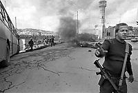 - Israeli soldiers during riots with Palestinians in the city of Hebron....- militari israeliani durante scontri con Palestinesi nella città di Hebron