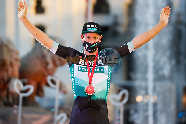 Pascal Ackermann (GER) Bora-Hansgrohe wins Stage 18 of the Vuelta Espana 2020, running 139.6km from Hipódromo de La Zarzuela to Madrid, Spain. 8th November 2020. <br /> Picture: Luis Angel Gomez/PhotoSportGomez   Cyclefile<br /> <br /> All photos usage must carry mandatory copyright credit (© Cyclefile   Luis Angel Gomez/PhotoSportGomez)