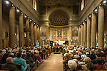 France, Provence-Alpes-Côte d'Azur, Nice: Orchestre d'Harmonie of Nice performing at church Notre-Dame du Port | Frankreich, Provence-Alpes-Côte d'Azur, Nizza: Konzert des Orchestre d'Harmonie der Stadt Nizza in der Kirche Notre-Dame du Port