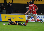 Newport's Scott Williams dives over to score Newports first try. Newport V Llanelli, Principality Premiership. © Ian Cook IJC Photography iancook@ijcphotography.co.uk www.ijcphotography.co.uk