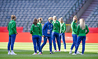 illustration picture showing the irish players and headcoach Vera Pauw of the Irish Republic ahead of a friendly female soccer game between the national teams of Belgium , called the Red Flames and The Republic of Ireland , on sunday 11 th of April 2021  in Brussels , Belgium . PHOTO Dirk Vuylsteke | Sportpix.be | SPP