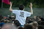 """© Joel Goodman - 07973 332324 . 05/06/2015 . Manchester , UK . Courteeners fan with """" Can you fuck """" t-shirt in the crowd . Evening concerts featuring headliners , The Courteeners , playing a homecoming gig , at Heaton Park in Manchester in front of 25,000 people , the evening before the Parklife music festival . Photo credit : Joel Goodman"""