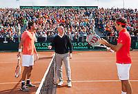 16-09-12, Netherlands, Amsterdam, Tennis, Daviscup Netherlands-Suisse, Toss Left Robin Haase right Roger Federer.
