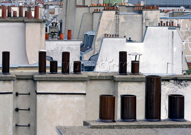 ueber den Daechern von Paris, Rooftops<br /> <br /> <br /> <br /> ***HighRes auf Anfrage, VOE nur nach Ruecksprache***<br />  ***Keine Social_Media Nutzung***<br /> <br /> Engl.: Europe, France, Paris, above the roofs of Paris, rooftops, houses, chimneys, May 2014<br /> ***Highres on request, publication only after consultation with laif***<br /> ***No use in social media***