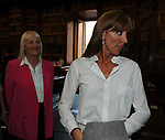 """ANNAMARIA BERNINI  E GIOVANNA SENSI<br /> PRESENTAZIONE LIBRO """"DETENUTI"""" DI MELANIA RIZZOLI<br /> BIBLIOTECA ANGELINA  ROMA 2012"""