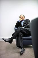 Magali Corouge/Documentography pour Le Monde..Paris, le 23 decembre 2010..Portrait de Monsieur Lucien Benhaim.
