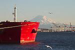 Seattle, Mount Rainier, Grain ship, bulk carrier, Voge Challenger, loading at grain terminal, Port of Seattle, Terminal 86, ship assist, Enhanced tractor tug, Lindsey Foss, Elliott Bay, Puget Sound, Washington State, Pacific Northwest, North America, United States, Pacific Rim Trade,